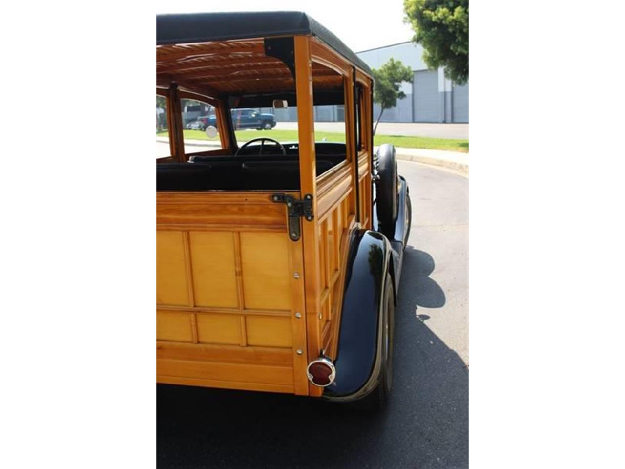 Large Picture of '34 Ford Woody Wagon located in La Verne California - LDYJ