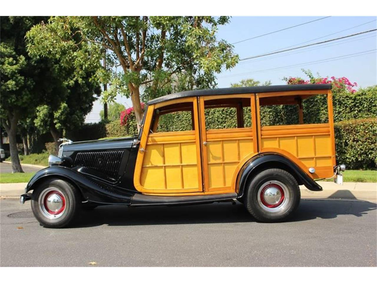 Large Picture of '34 Woody Wagon located in La Verne California - LDYJ