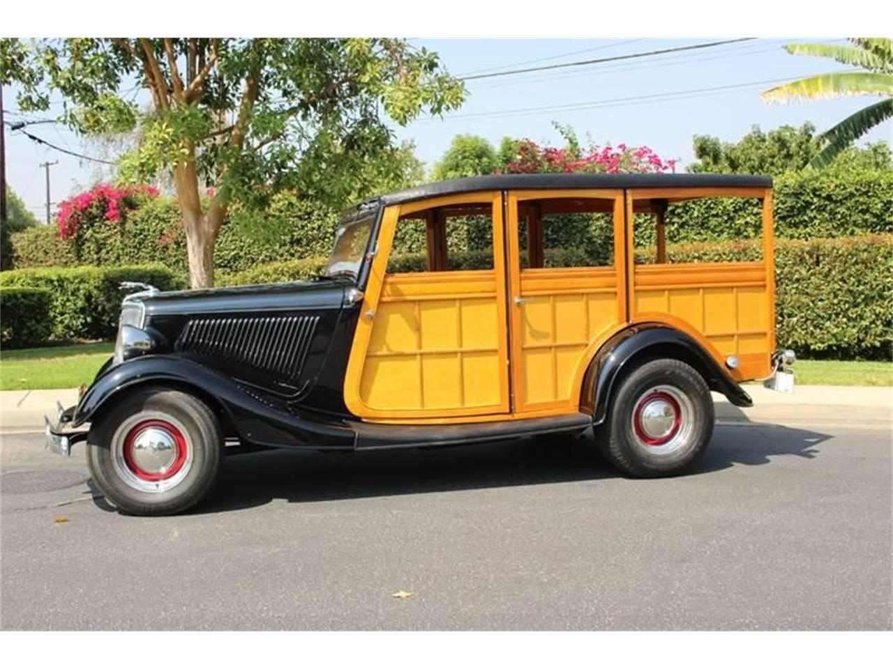 Large Picture of Classic '34 Woody Wagon Auction Vehicle Offered by American Classic Cars - LDYJ