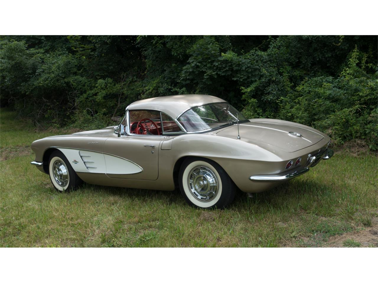 Large Picture of '61 Corvette - LDYY