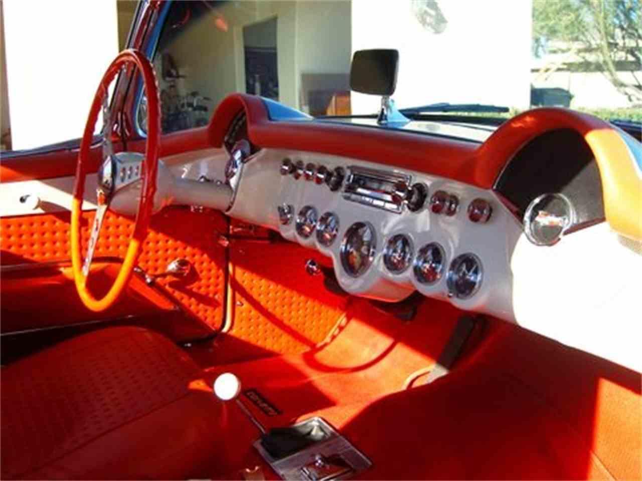 Large Picture of '57 Corvette - L7W8
