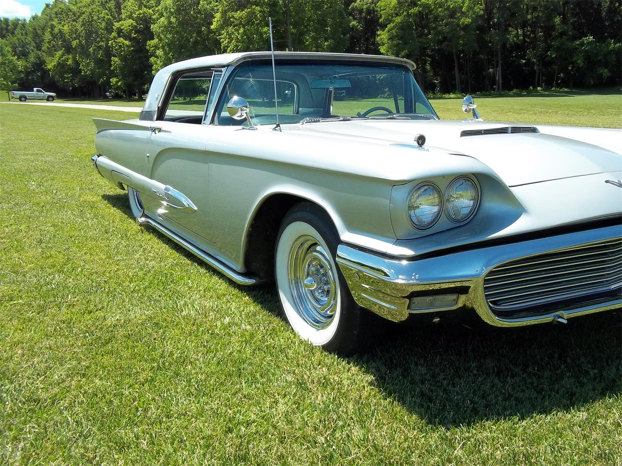 Large Picture of '59 Thunderbird - LE5N