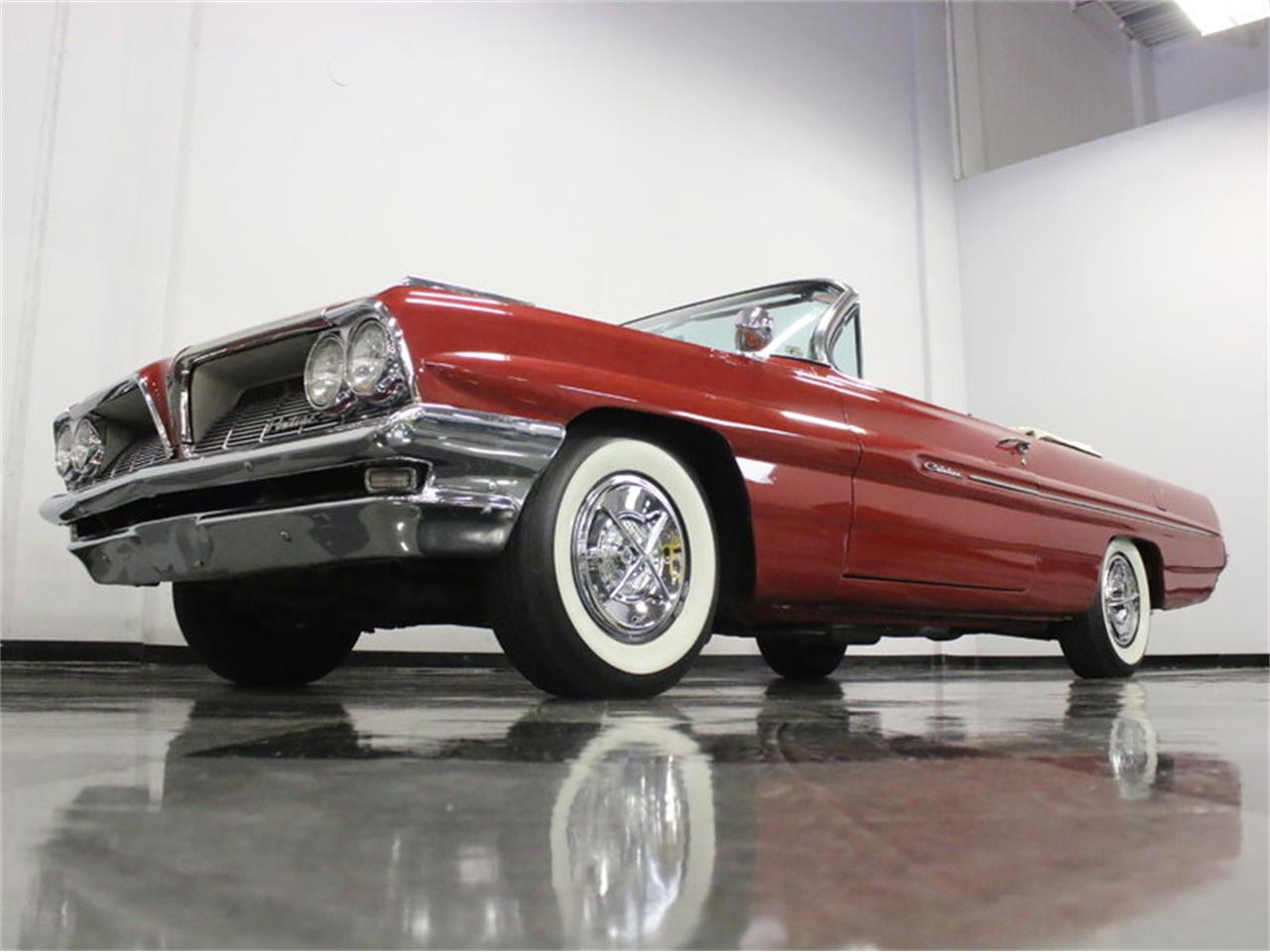 Large Picture of Classic '61 Pontiac Catalina located in Ft Worth Texas - $31,995.00 Offered by Streetside Classics - Dallas / Fort Worth - L8IM