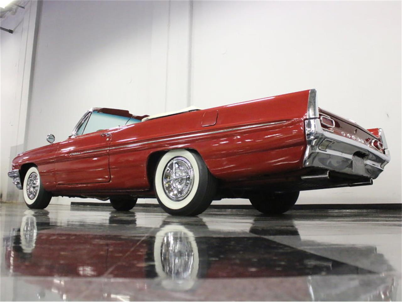 Large Picture of Classic '61 Pontiac Catalina - $31,995.00 Offered by Streetside Classics - Dallas / Fort Worth - L8IM