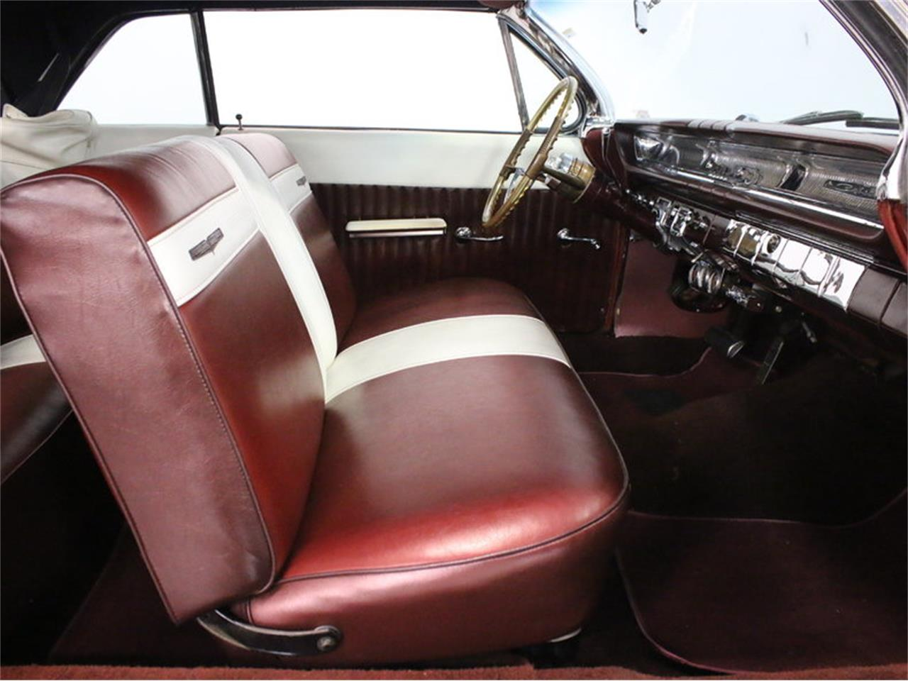 Large Picture of Classic '61 Pontiac Catalina Offered by Streetside Classics - Dallas / Fort Worth - L8IM