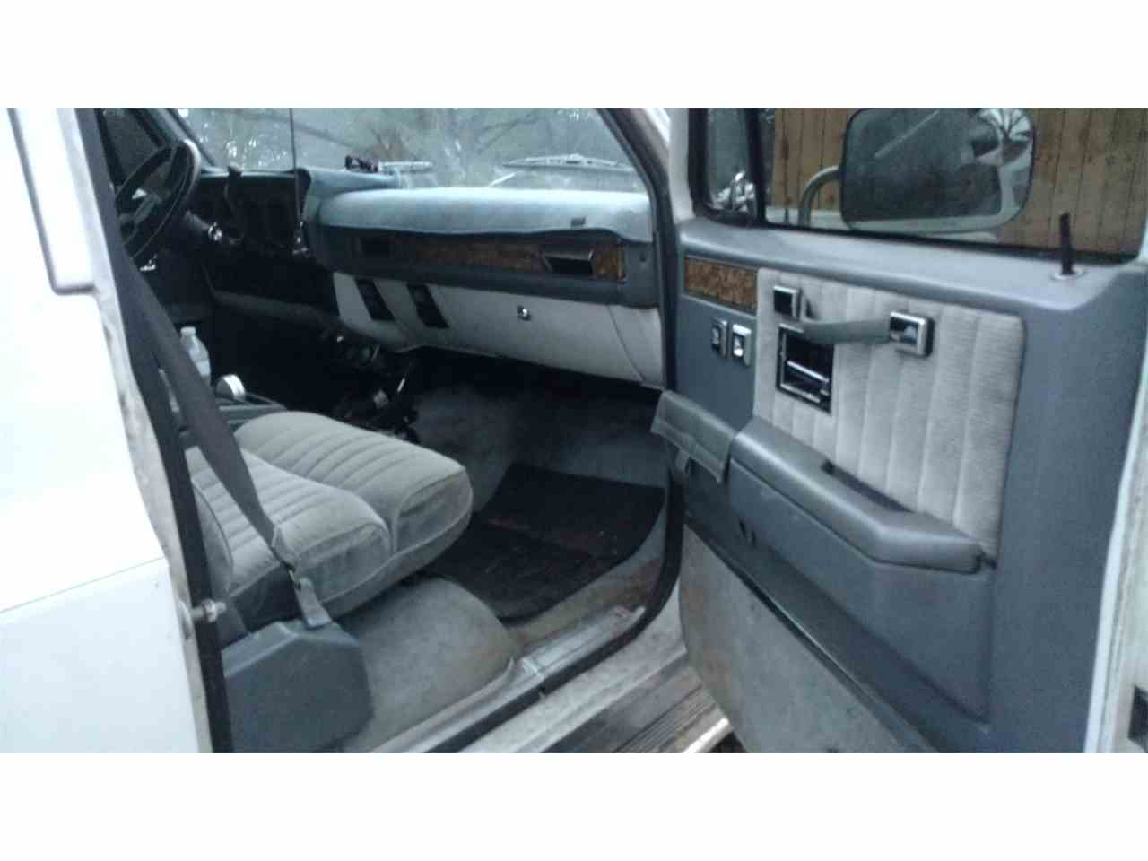 Large Picture of '90 Suburban - LE6H