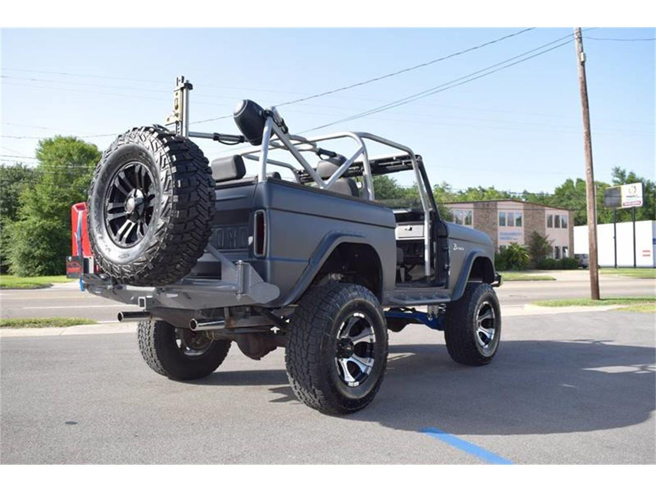 Large Picture of '76 Ford Bronco - $44,900.00 - LE6P