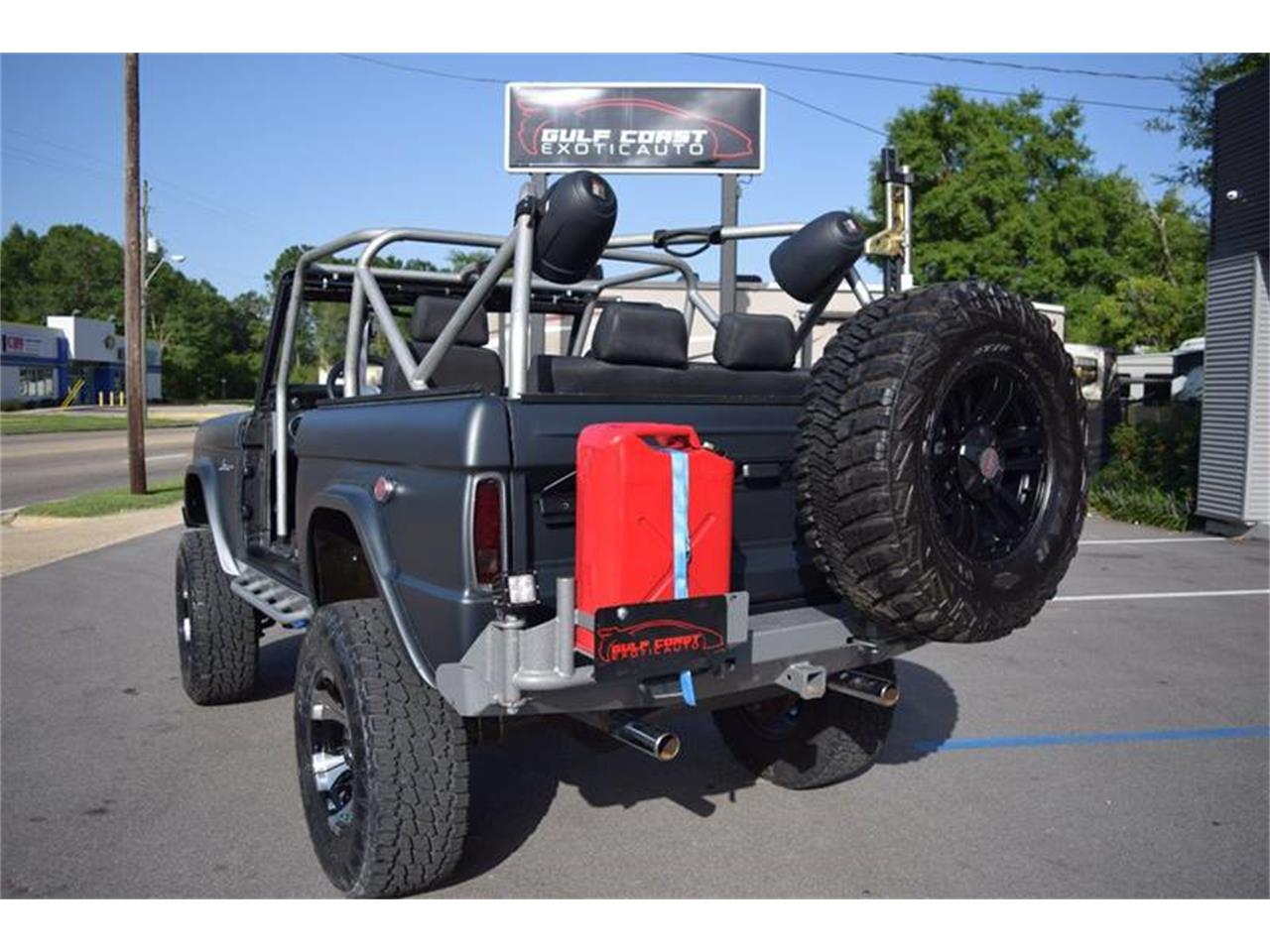 Large Picture of '76 Bronco located in Biloxi Mississippi - $44,900.00 Offered by Gulf Coast Exotic Auto - LE6P