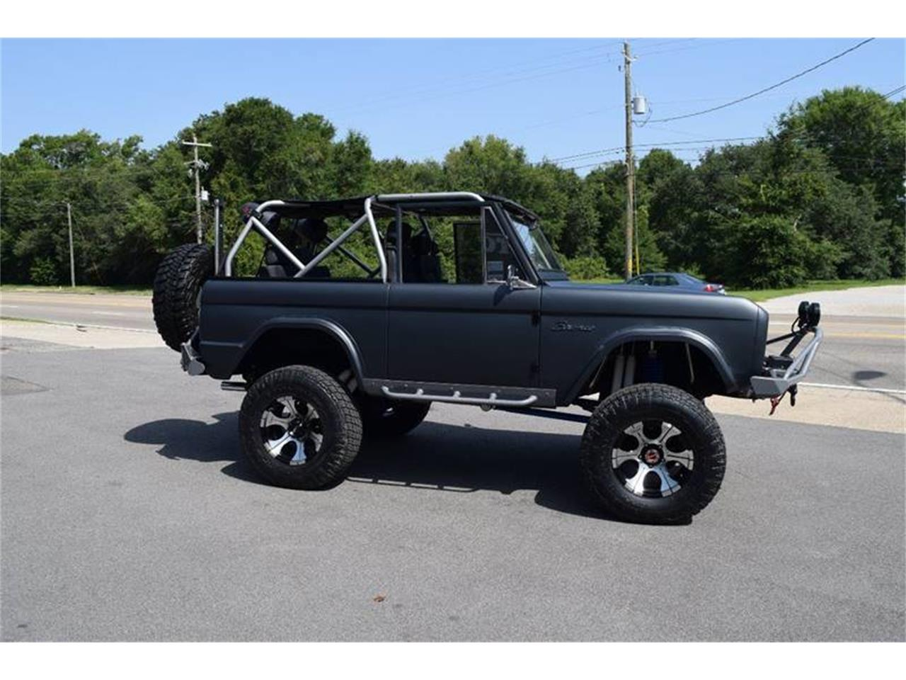 Large Picture of 1976 Ford Bronco located in Mississippi Offered by Gulf Coast Exotic Auto - LE6P