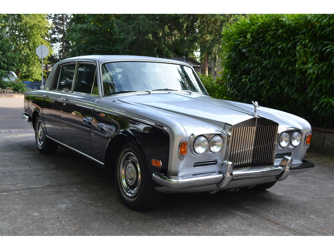 Large Picture of '72 Silver Shadow - LE74