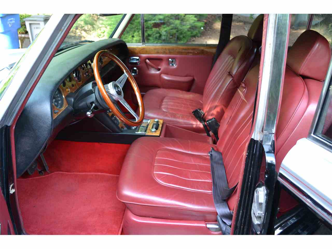 Large Picture of Classic '72 Silver Shadow Offered by a Private Seller - LE74