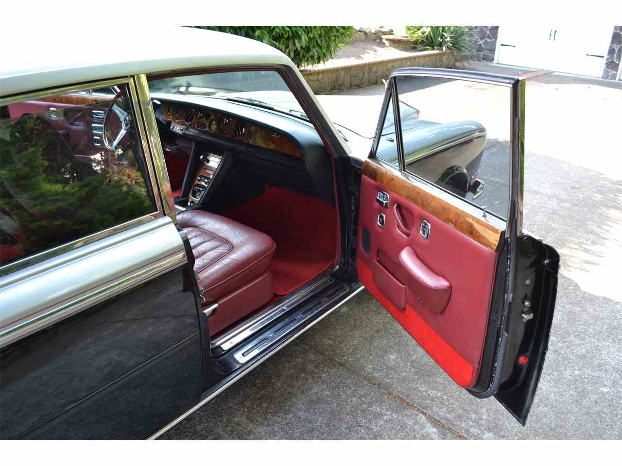 Large Picture of Classic 1972 Silver Shadow located in Portland Oregon Offered by a Private Seller - LE74