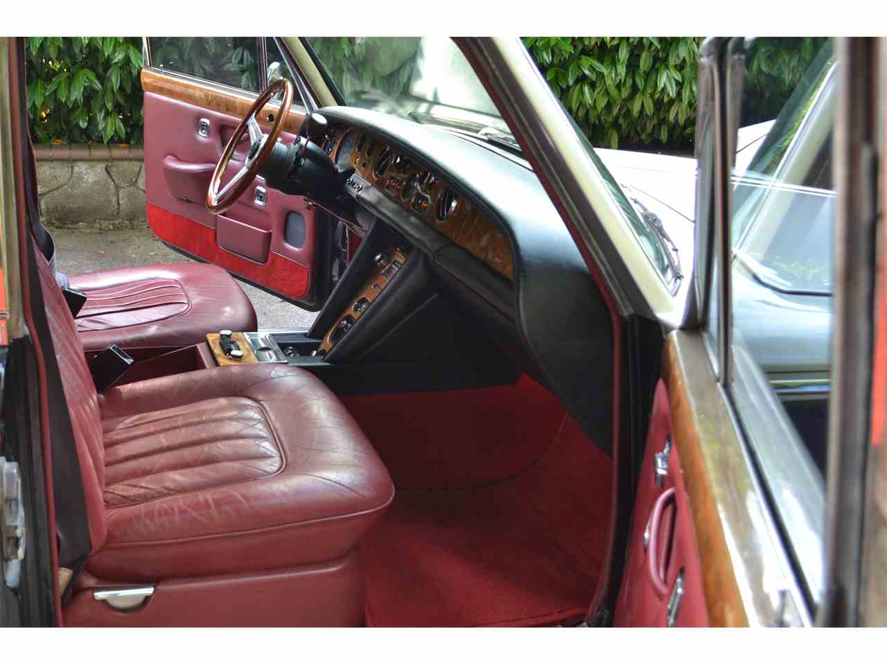 Large Picture of Classic '72 Silver Shadow - LE74