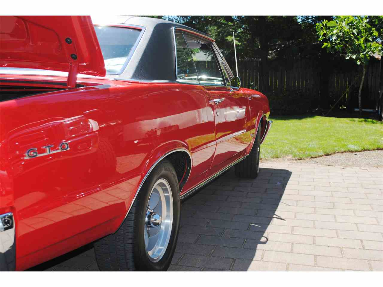 Large Picture of Classic '64 Pontiac GTO located in Gresham Oregon Offered by a Private Seller - LE7M