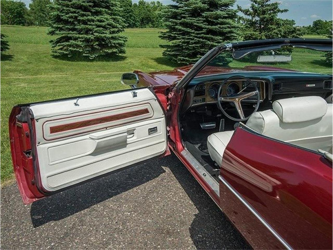 Large Picture of Classic '72 Pontiac Catalina located in Minnesota Offered by Ellingson Motorcars - LE8D
