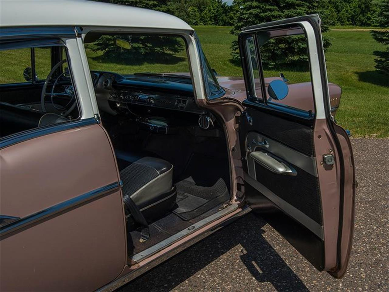 Large Picture of 1957 Chevrolet Bel Air located in Minnesota - LE8L