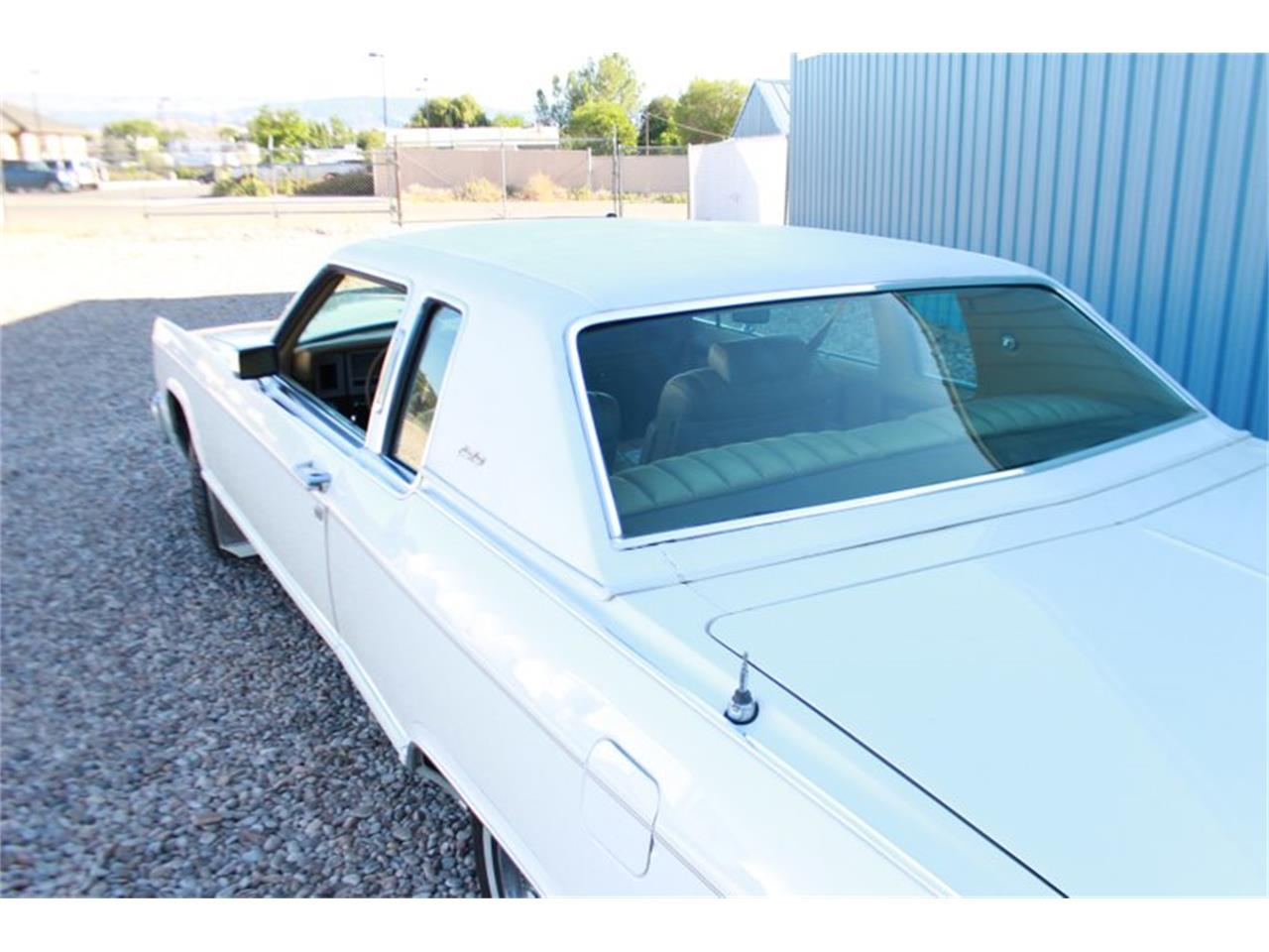 Large Picture of '78 Lincoln Town Car - LEAW
