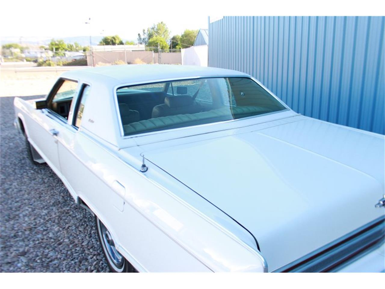 Large Picture of '78 Lincoln Town Car located in Utah - LEAW