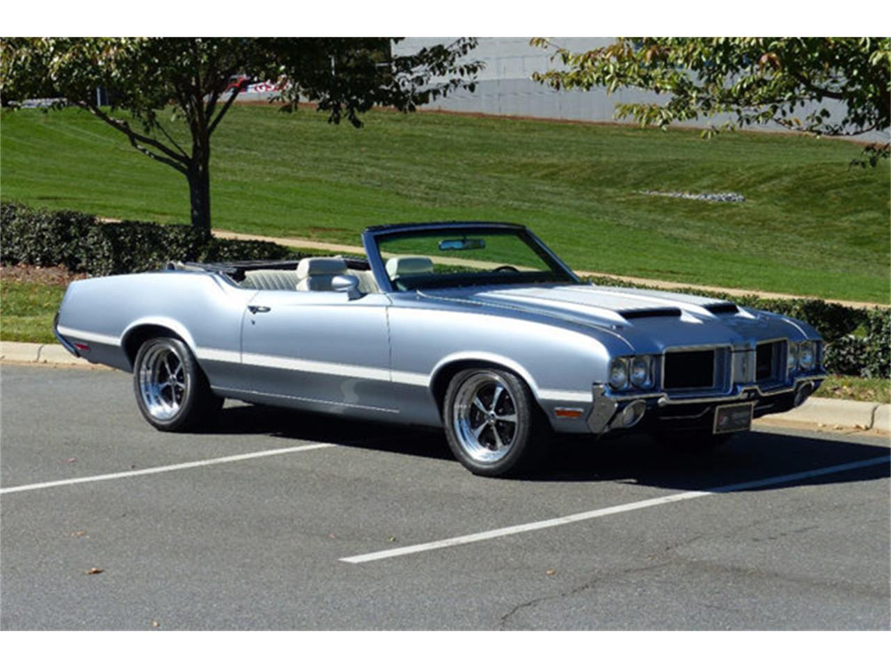 Large Picture of 1971 Oldsmobile Cutlass Offered by Hendrick Performance - LEC8