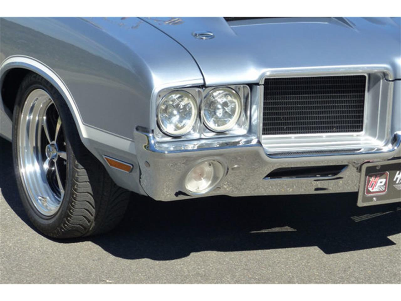Large Picture of Classic 1971 Oldsmobile Cutlass Offered by Hendrick Performance - LEC8