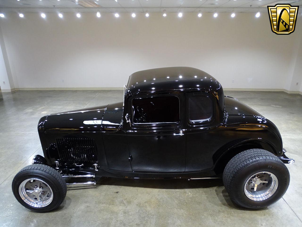 Large Picture of '32 5-Window Coupe - LED5