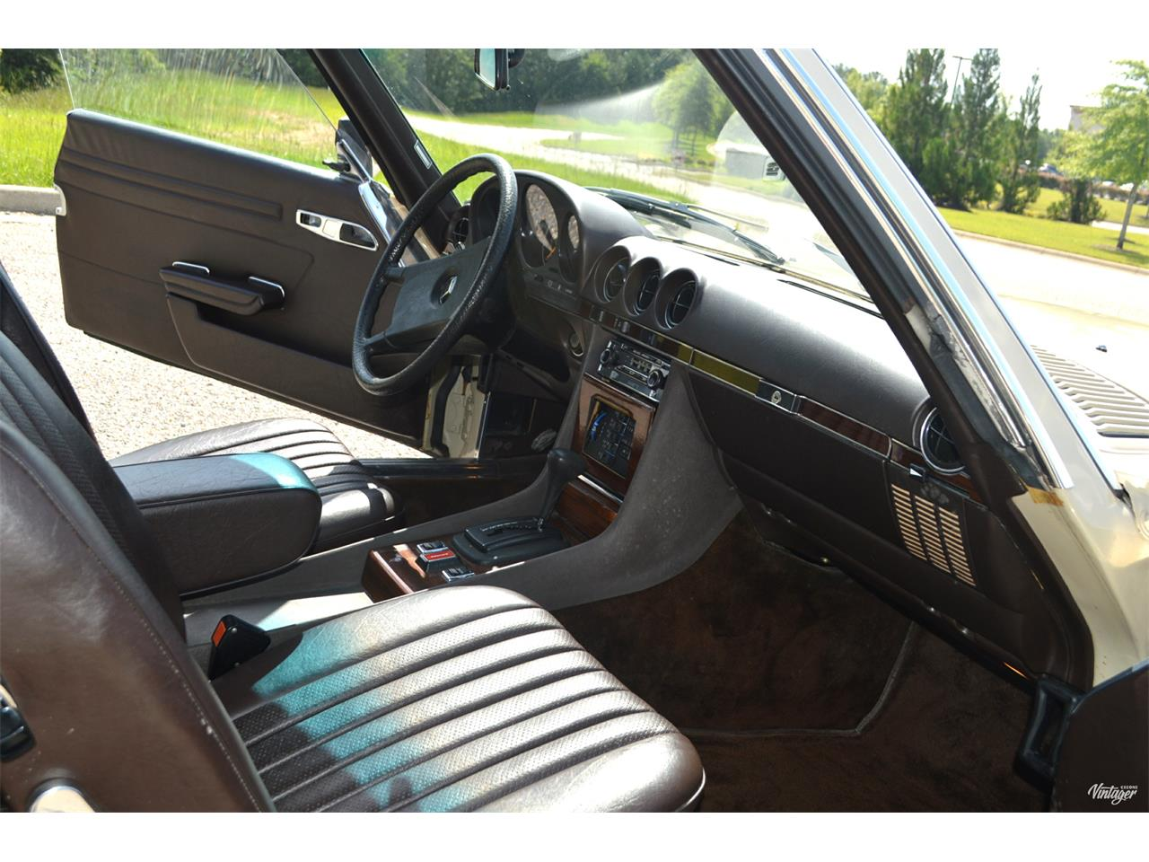 Large Picture of '80 Mercedes-Benz 450SL located in Alabaster Alabama - $15,500.00 Offered by Leaded Gas Classics - LEDI