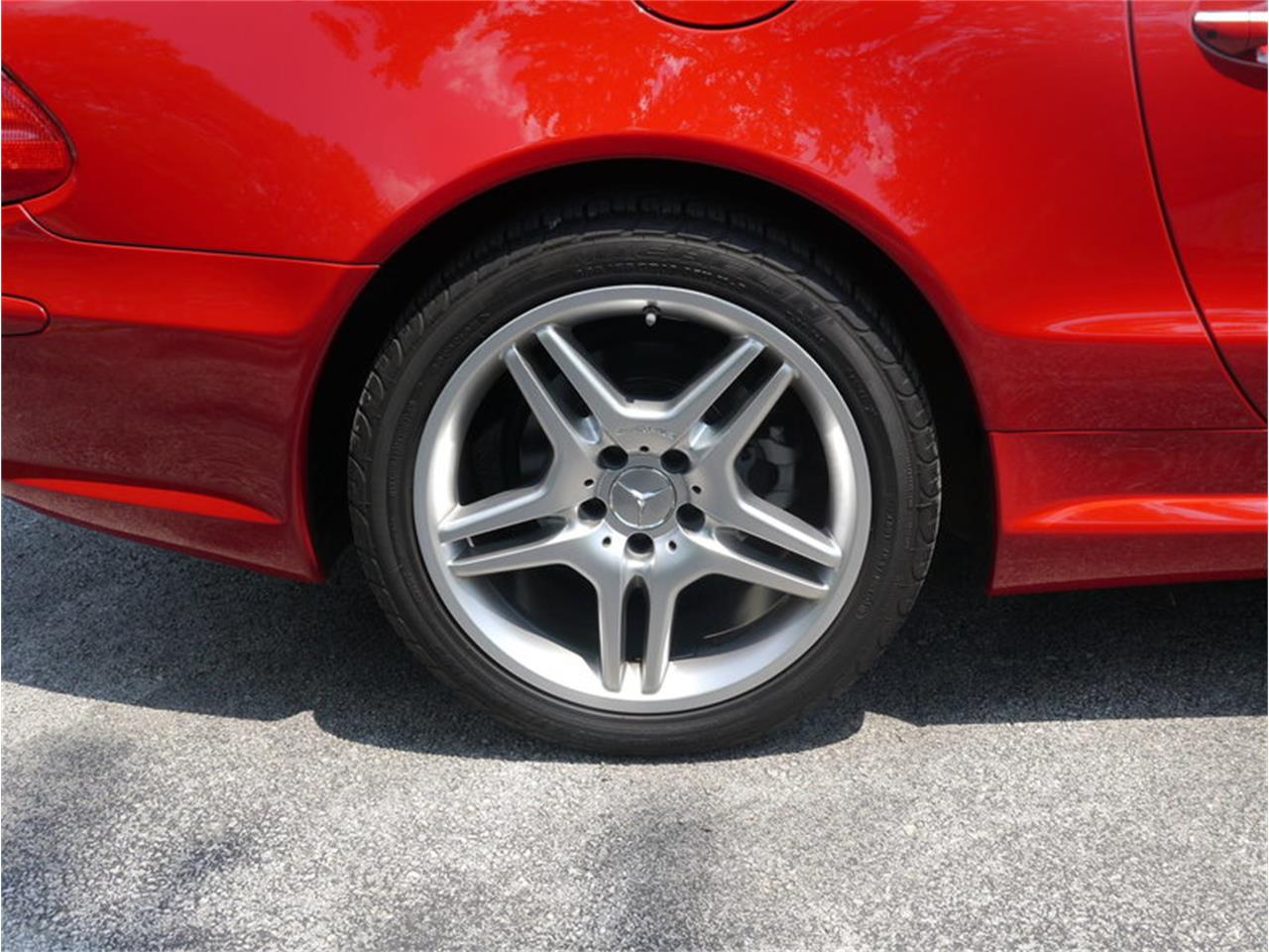 Large Picture of '06 SL500 located in Illinois - $26,900.00 Offered by Midwest Car Exchange - LEGR