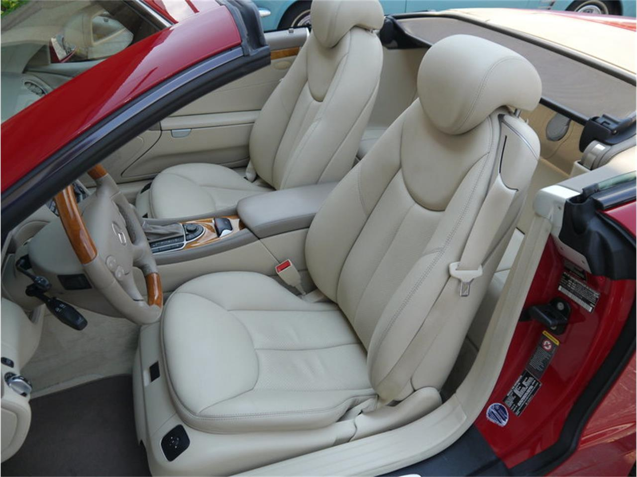 Large Picture of '06 SL500 Offered by Midwest Car Exchange - LEGR