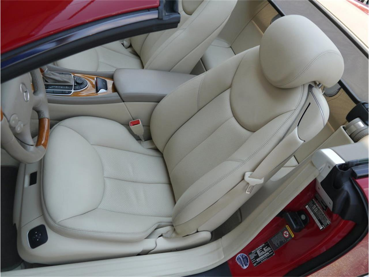 Large Picture of 2006 Mercedes-Benz SL500 located in Illinois - $26,900.00 - LEGR