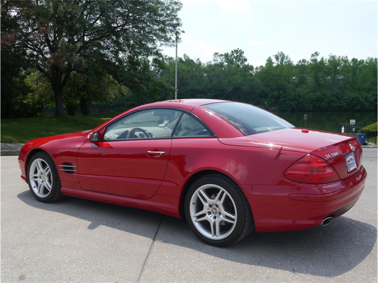 Large Picture of 2006 Mercedes-Benz SL500 located in Alsip Illinois - $26,900.00 Offered by Midwest Car Exchange - LEGR