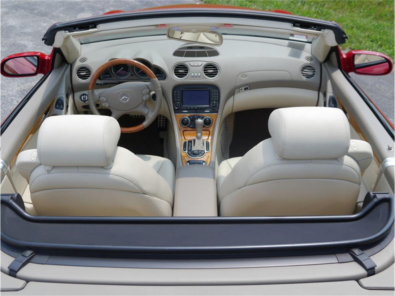 Large Picture of '06 SL500 located in Alsip Illinois - $26,900.00 - LEGR