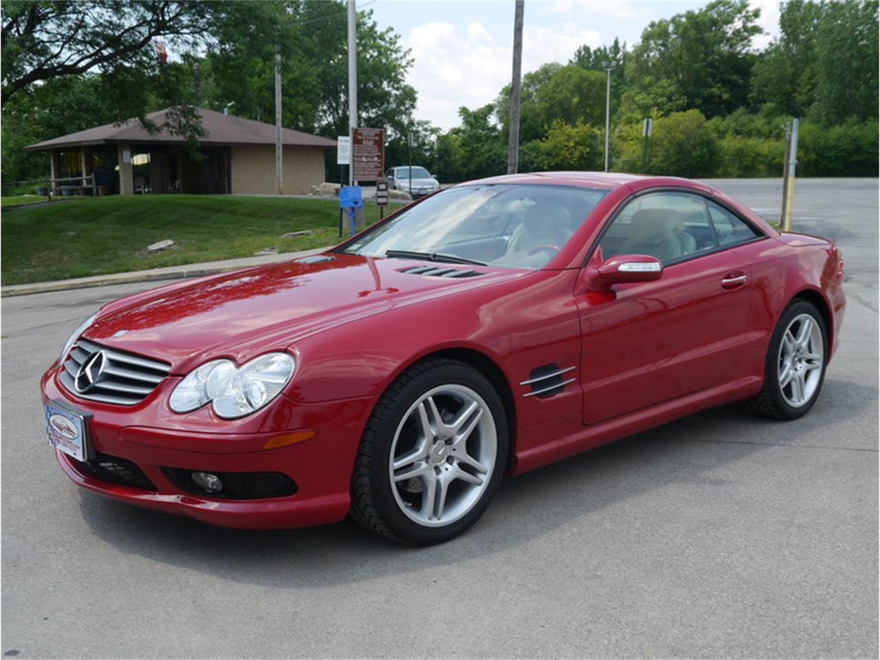 Large Picture of '06 SL500 located in Illinois Offered by Midwest Car Exchange - LEGR