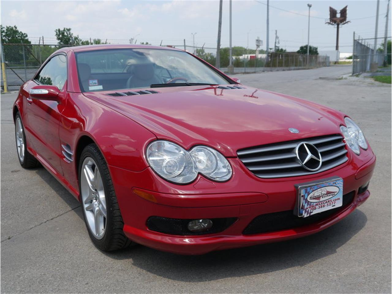 Large Picture of 2006 Mercedes-Benz SL500 located in Illinois - $26,900.00 Offered by Midwest Car Exchange - LEGR