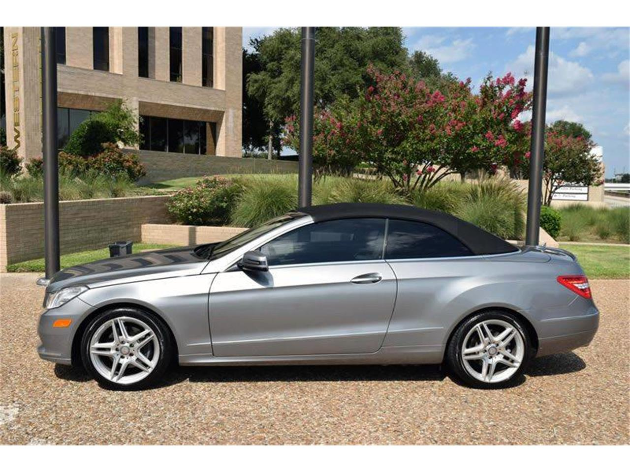 Large Picture of '11 E-Class located in Texas - LEHJ