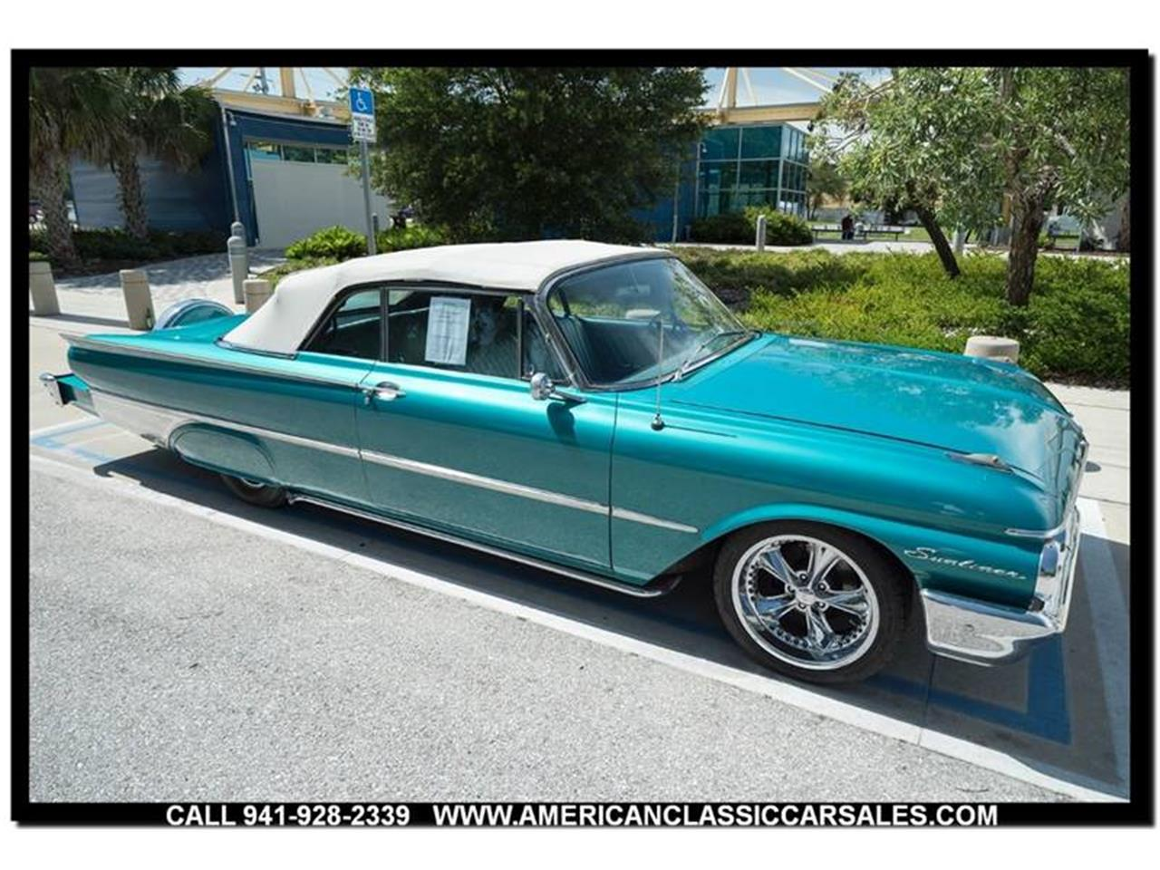 Large Picture of Classic 1961 Sunliner located in Sarasota Florida Offered by American Classic Car Sales - LEJC