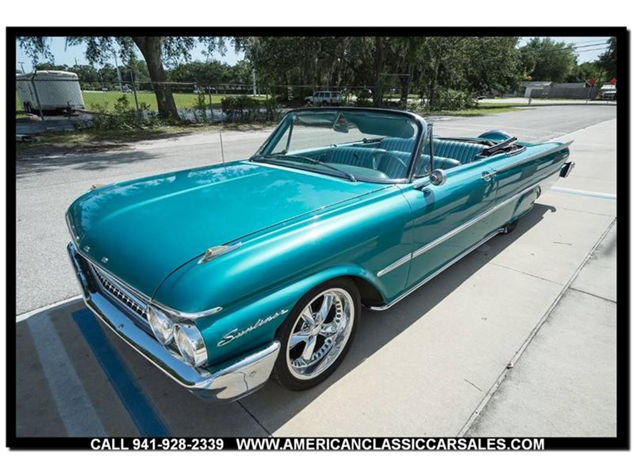 Large Picture of Classic '61 Sunliner - LEJC
