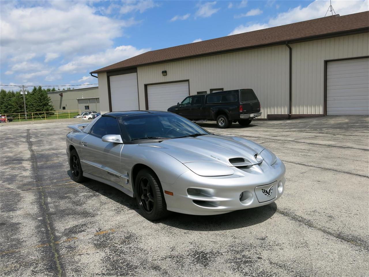 Large Picture of '00 Firebird Trans Am WS6 located in Manitowoc Wisconsin Offered by Diversion Motors - LEKM