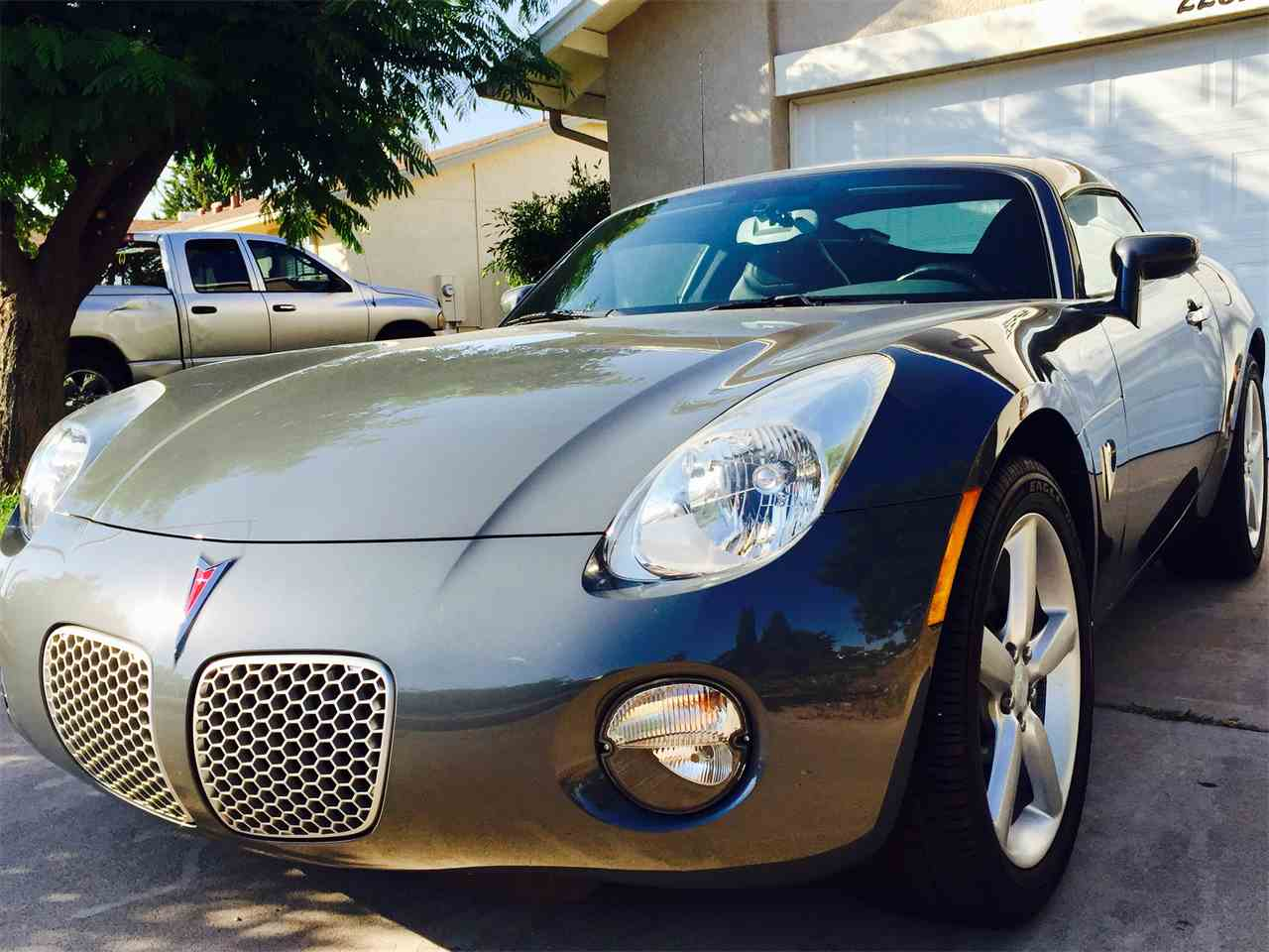 Large Picture of 2009 Pontiac Solstice located in Arizona Offered by a Private Seller - LEM2