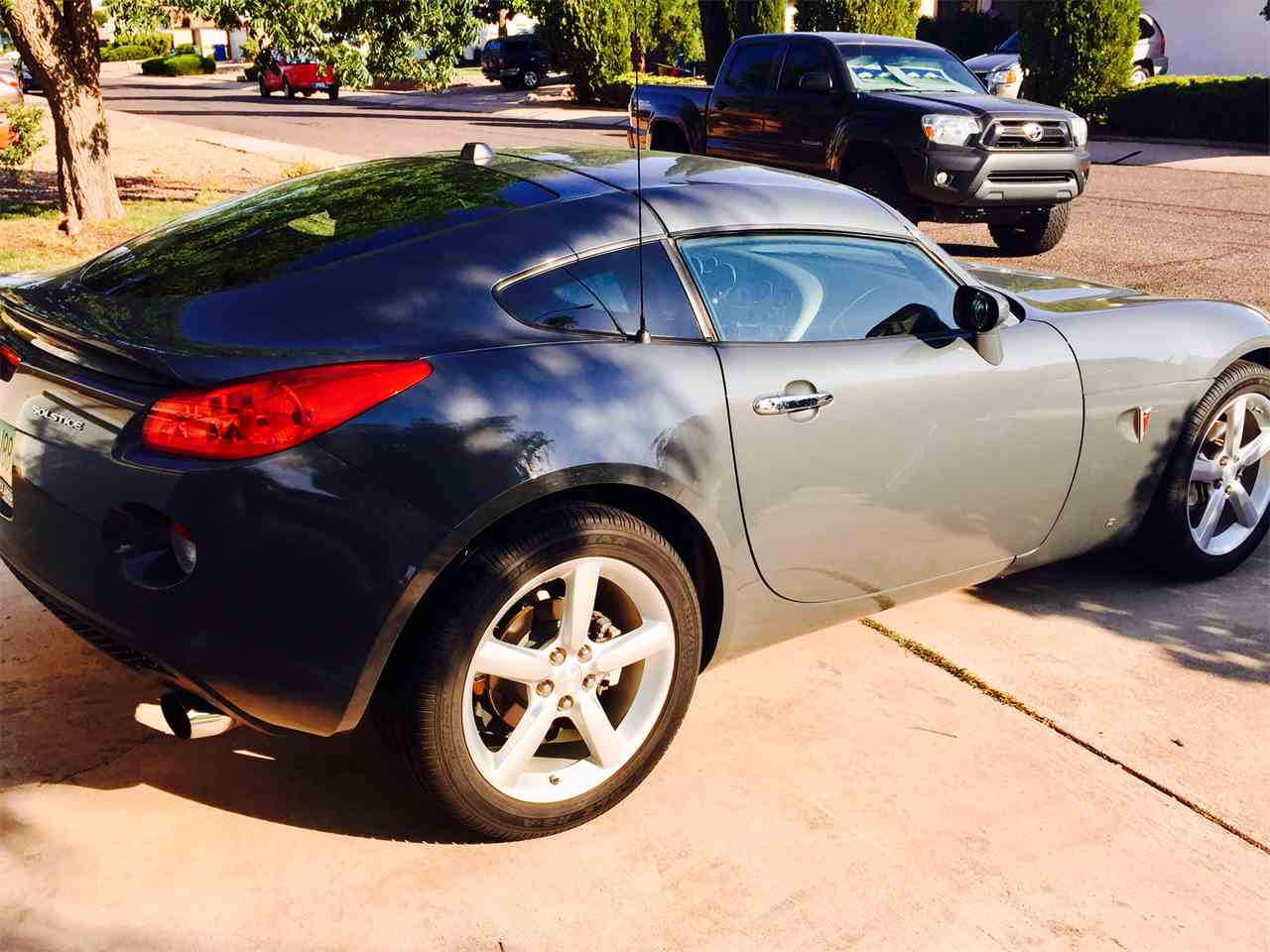 Large Picture of 2009 Pontiac Solstice Offered by a Private Seller - LEM2