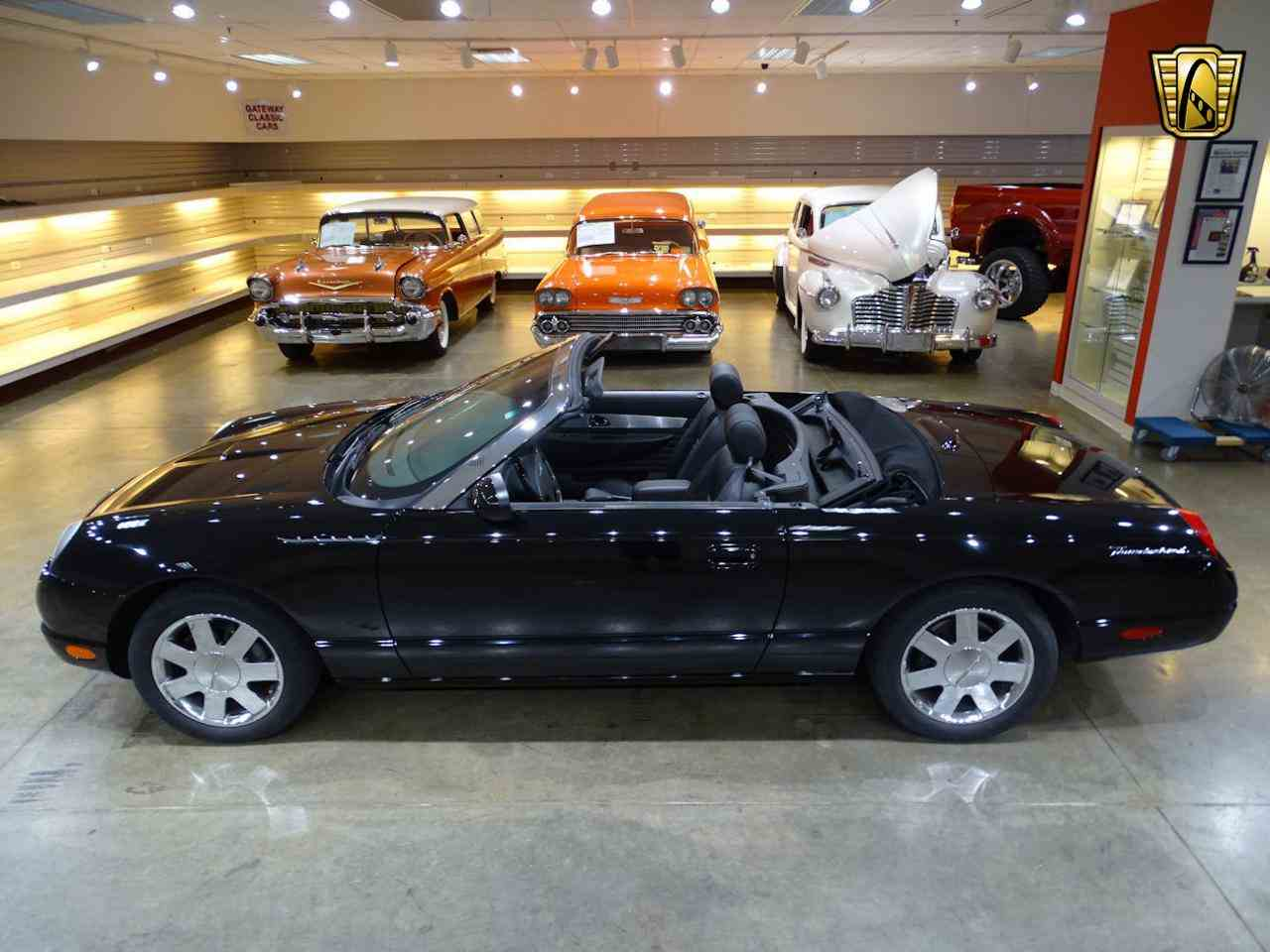 Large Picture of '02 Ford Thunderbird located in O'Fallon Illinois - LEN7