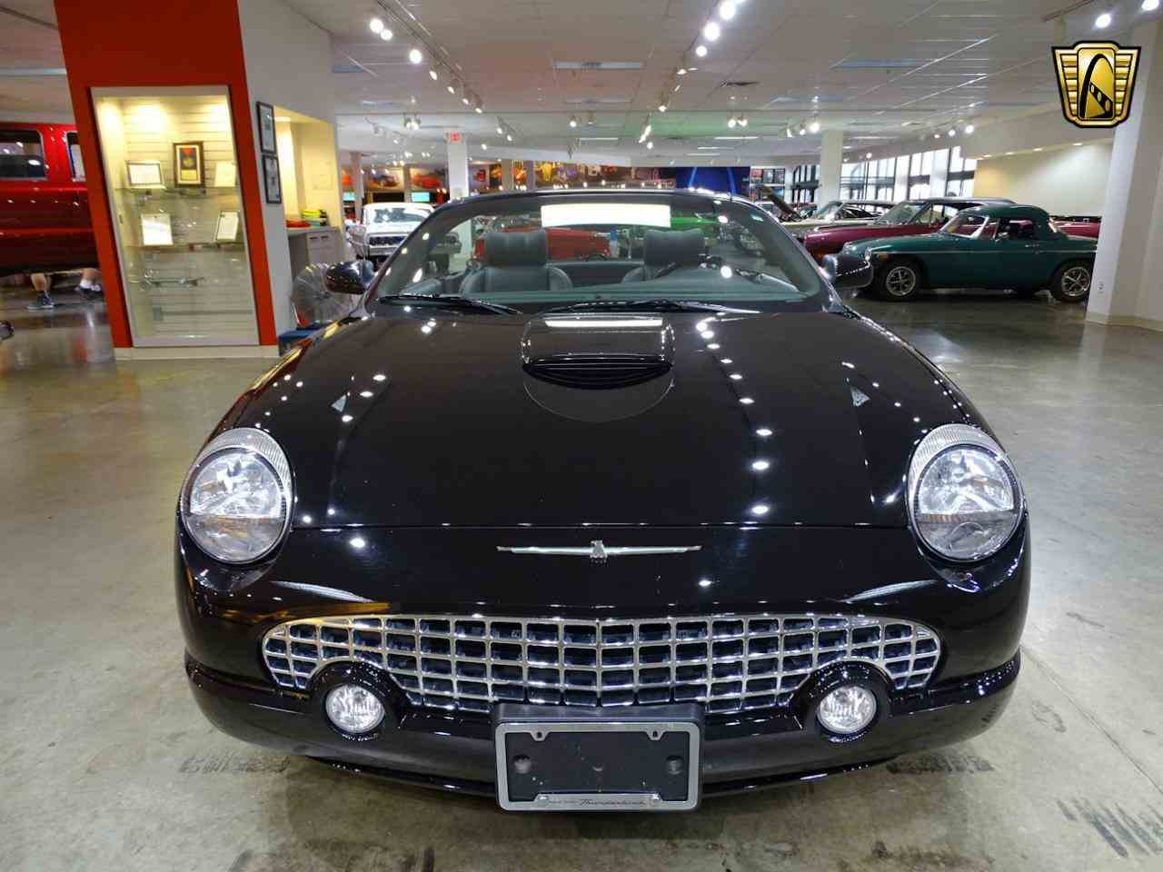 Large Picture of '02 Thunderbird located in O'Fallon Illinois - $19,595.00 Offered by Gateway Classic Cars - St. Louis - LEN7