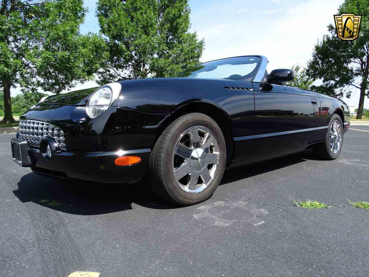 Large Picture of 2002 Thunderbird located in Illinois - LEN7