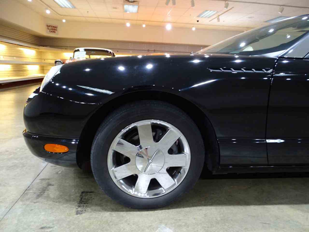 Large Picture of '02 Thunderbird - $19,595.00 Offered by Gateway Classic Cars - St. Louis - LEN7