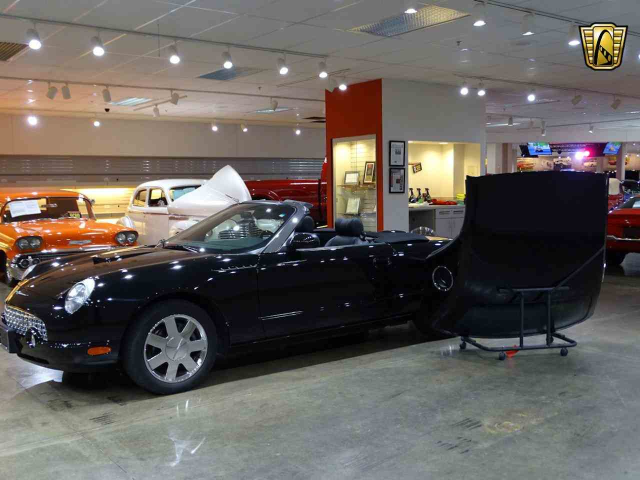 Large Picture of 2002 Thunderbird located in O'Fallon Illinois - $19,595.00 - LEN7