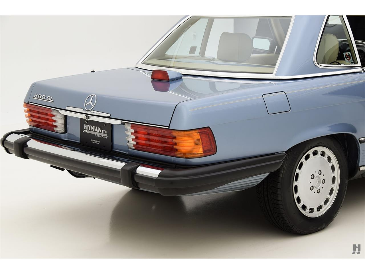 Large Picture of '87 Mercedes-Benz 560SL located in Missouri - $48,500.00 - LENL