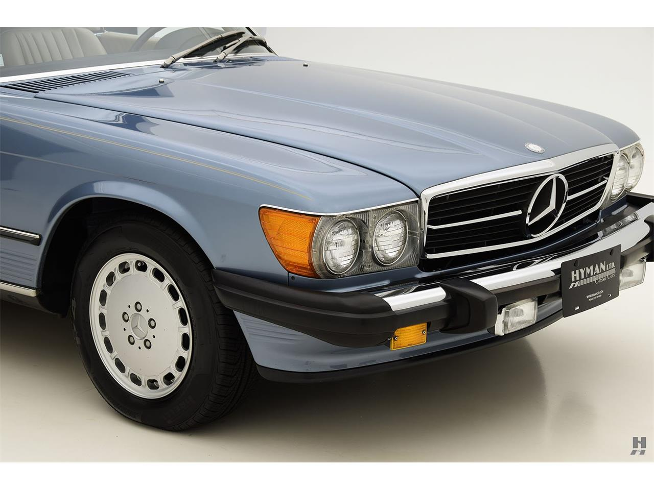 Large Picture of '87 Mercedes-Benz 560SL located in Missouri - $48,500.00 Offered by Hyman Ltd. Classic Cars - LENL