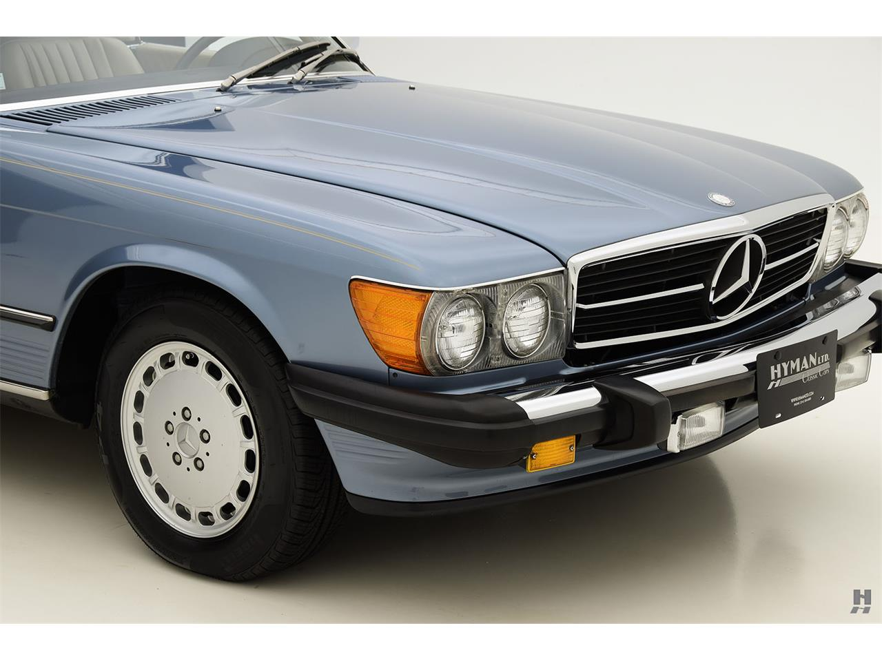Large Picture of '87 560SL located in Missouri - $48,500.00 Offered by Hyman Ltd. Classic Cars - LENL