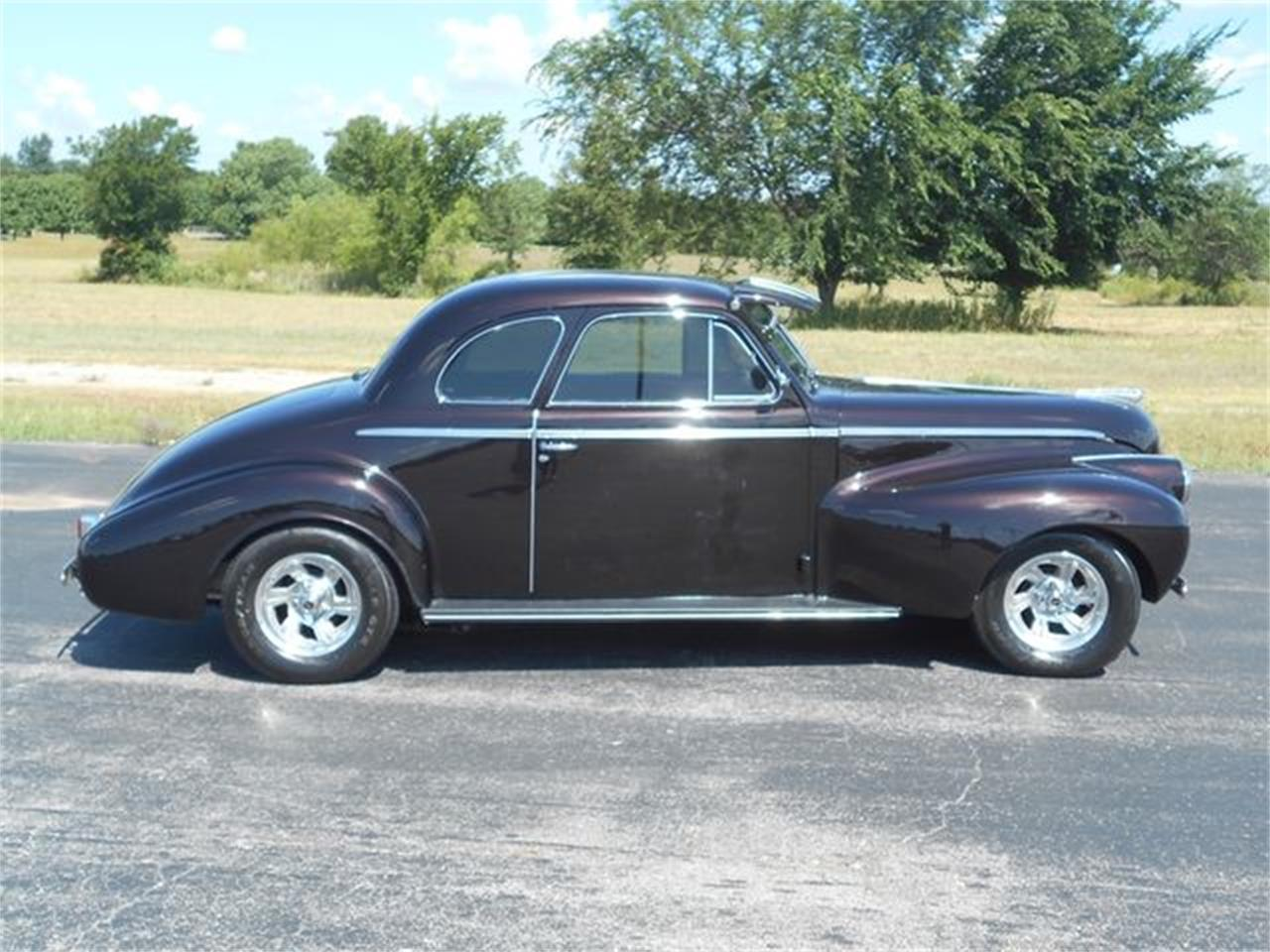 Large Picture of Classic 1940 Oldsmobile Street Rod - $33,900.00 Offered by Knippelmier Classics - LENW