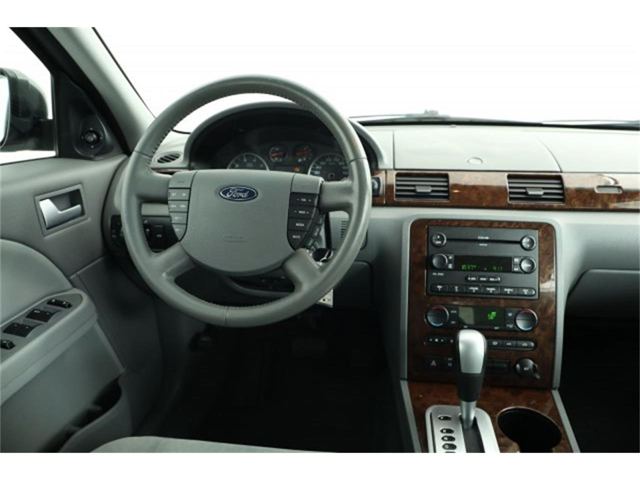 Large Picture of '05 Ford Five Hundred located in Lynnwood Washington - $6,995.00 - LER1