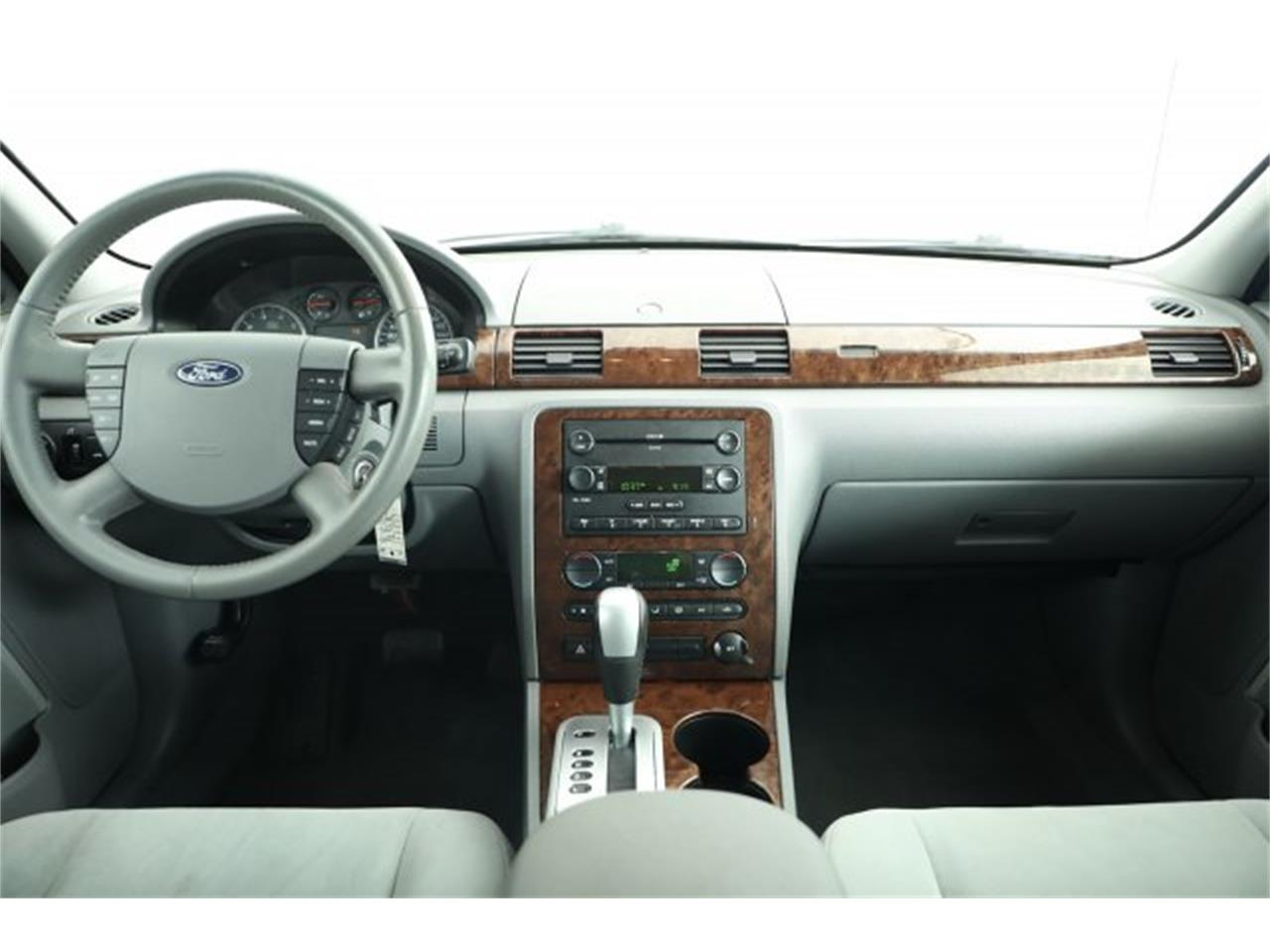 Large Picture of '05 Ford Five Hundred - $6,995.00 Offered by Carson Cars - LER1